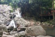 Na Mueang Waterfall 2